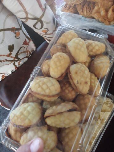 Другие специальности в Кыргызстан: Требуется кондитер булочница кекс песочница