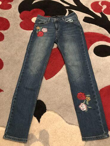 Джинсы - Кыргызстан: Продаю джинсы от Вайкики. Состояние хорошее! Размер 26, S