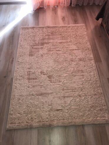 Tepih od akrila i pamuka prekvalitetan,koristen mesec dana 120 *170