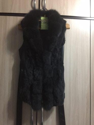 Продаю жилетку, натуралка песец и вставка натуральная кожа в Бишкек