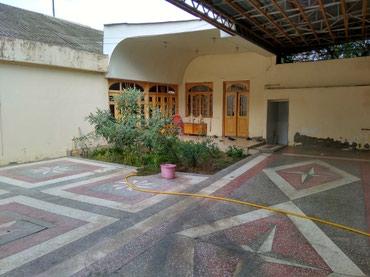 Gəncə şəhərində Gence s. Boyuk Bagmanda 4 otaq 1 aynebentden ibaret heyet evi satilir.