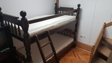 Krevet na sprat - Srbija: Krevet na sprat od punog drveta, ocuvano