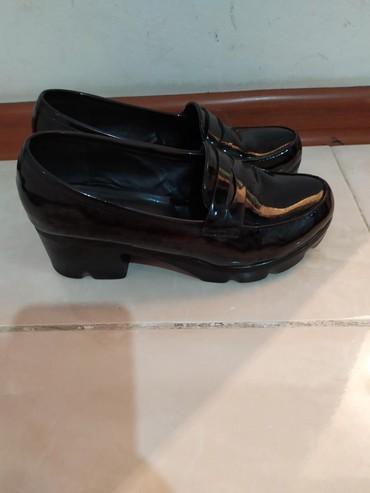 Туфли 37_ размер лакированные черные в отличном состоянии 500 или