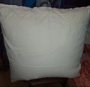 Постельное белье и принадлежности - Кыргызстан: Продаю перьевые подушки 4шт