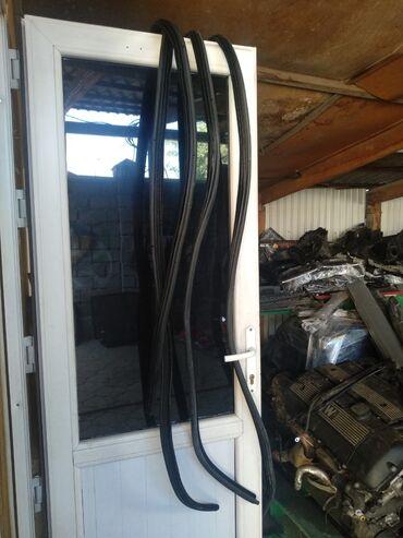 БМВ уплотнители двери