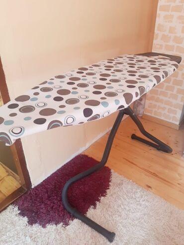 Ütü masasi ela vəziyyətdədir.hec bir problemi yoxdur.boyuk ütü