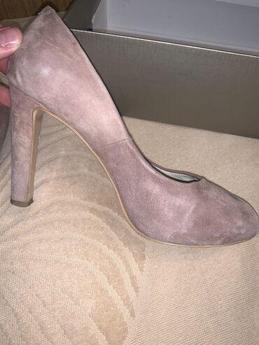 Продаю итальянские туфли, размер 38. Подойдёт на 38,5-39. Состояние