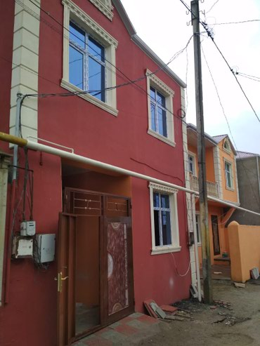 Xırdalan şəhərində Xirdalanda Ugur marketin yaninda, 2 mertebe 4 otagli Tam Temirli