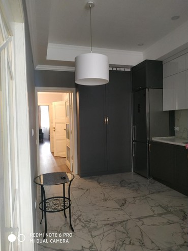 си в Кыргызстан: Сдается квартира: 3 комнаты, 110 кв. м, Бишкек