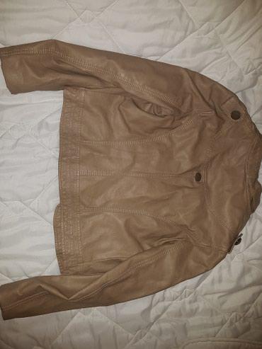 Lagana jaknica od eko kože,bež boje,veličina XL ali je manje - Jagodina