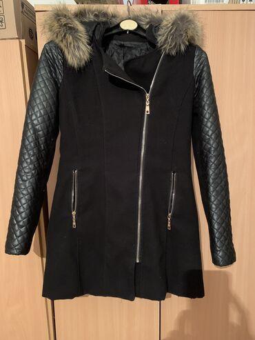Acer z110 - Srbija: Ocuvanamalo nosena jakna-kaput,M velicine,bez ikakvih ostecenja