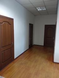 Сдаются офисные кабинеты от 18м2- 55м2. Киркомстрой район светофор