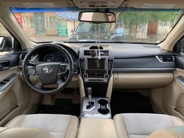 Toyota Camry 2.5 л. 2013 | 126000 км