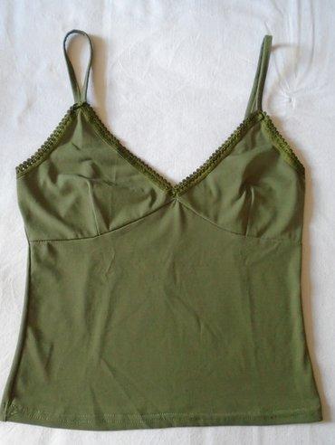 Slatka crop top majičica, maslinasto zelene boje proizvedena u - Belgrade