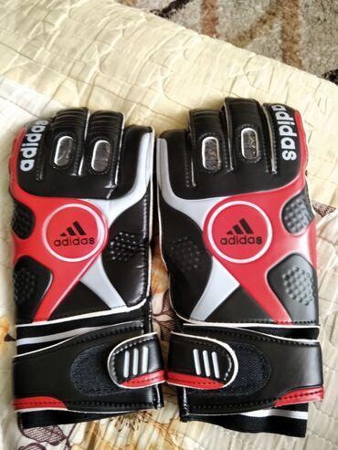 sport forma adidas в Кыргызстан: Перчатки футбольный Фирменный Adidas