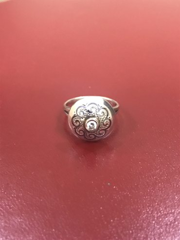 Продаю серебряное кольцо (925 проба) в Бишкек