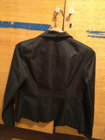 Продаю женские б/у два костюма 48 размер в хорошем состоянии. в Бишкек