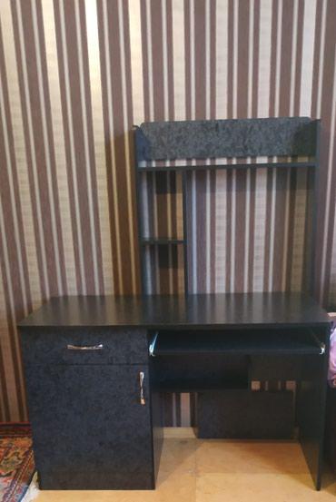 Xırdalan şəhərində Kompüter stolu.yazi masası salon üçündə istifadə etmək olar
