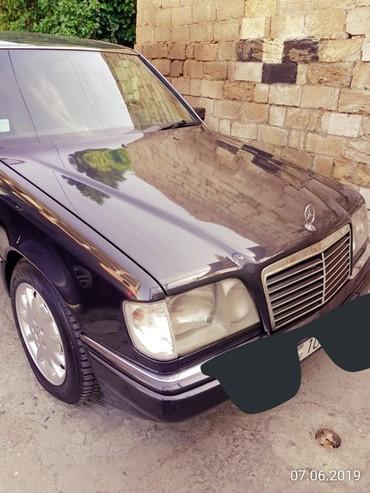 Mercedes-Benz 220 2.2 l. 1994 | 500000 km