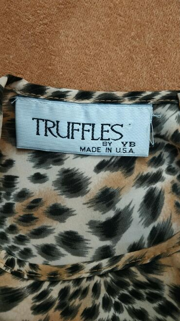 Ženska odeća   Nis: Truffles nova majica koja se ne gužva. Veličina odgovara L/XL