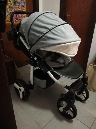 Decija jaknica ga - Srbija: Prodajem decija kolica u vrlo ocuvanom stanju marke camarelo. Tri