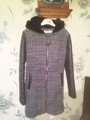palto - Azərbaycan: Palto satılır, 1-2-dəfə geyinilib Oda demək olarki geyinilmiyib, Heç