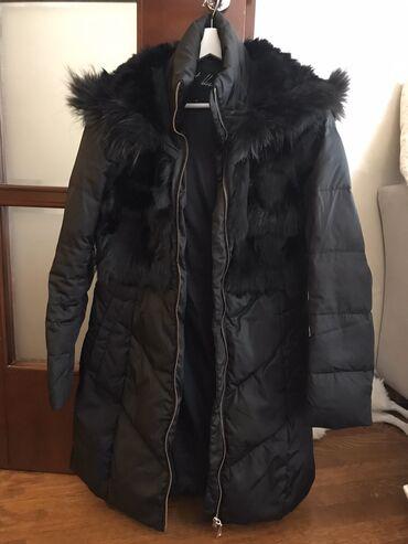 Zimska jakna sa krznom - Srbija: Zimska jakna sa prirodnim krznom u velicini 38-40. Jakna je nosena par