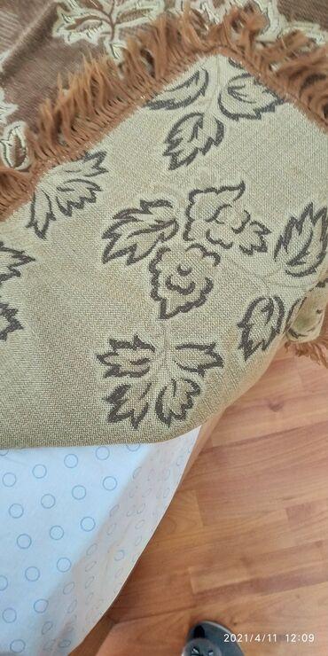 Türkiyə istehsalı divan kravatustu kimi istifadə etmək üçün örtük əla