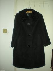 Prodajem, vuneni kaput, crne boje, kragna je od astragana. Od vunenog  - Beograd