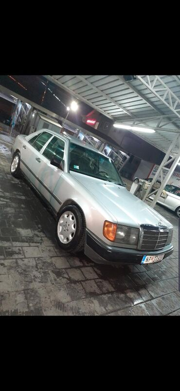 Mercedes-Benz E 200 1986 | 250000 km