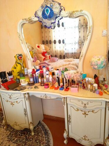 Мебель - Кызыл-Кия: Гаринут комнатный продаю