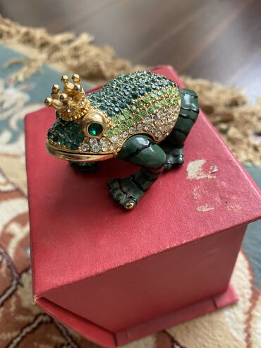 Антиквариат - Кыргызстан: Сувенир лягушка Дубай