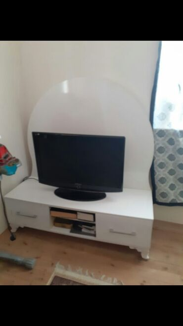 baglar - Azərbaycan: Tv altligi satilir, 70 Azn-e. Yaxwi veziyyetdedir, hec bir problemi