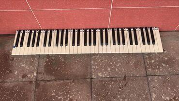 Roland sintezatoru üçün klavişKlaviş yaxşı veziyetdedir Roland va-7