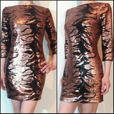 Prelepa,efektna haljina sa sljokicama... nosena par puta,u super - Belgrade