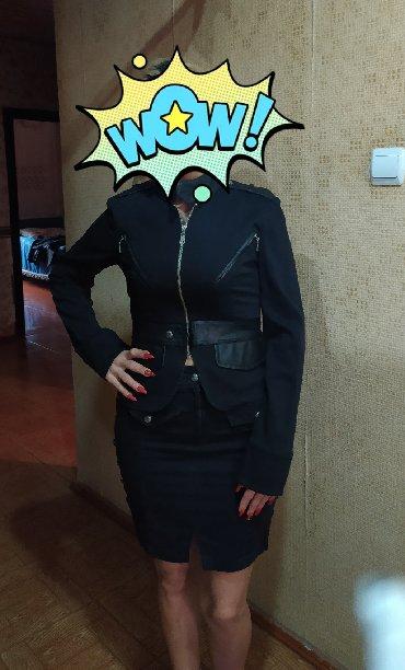 Продается женский костюм в отличном состоянии. Куплен очень дорого в Bakı