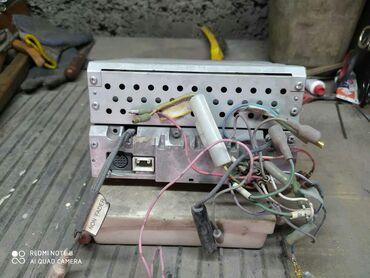 Продаю штатный Магнитофон в хорошем состояние есть AUX