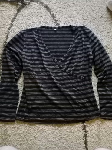 Bluza,lepa. vel.42 ili L nema tragova nosenja - Pancevo