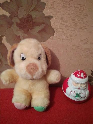 - Azərbaycan: Yumshaq oyuncaq ve oxuyan shaxta baba. Her biri 2 AZN
