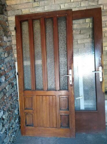 Kuća i bašta - Becej: Troje vrata i dva prozora cena po dogovoru
