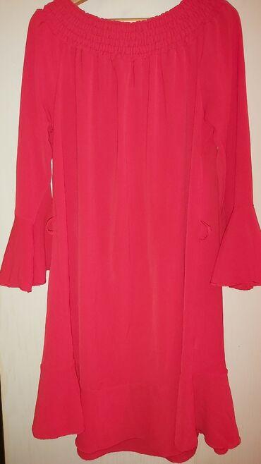 Crvena leprsava haljina. Uni velicina. 2 puta nosena