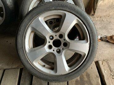 Шины для грузовиков - Кыргызстан: Комплект ДЛЯ BMW свежедоставлен из США 2 шины хорошие 2 выкинуть