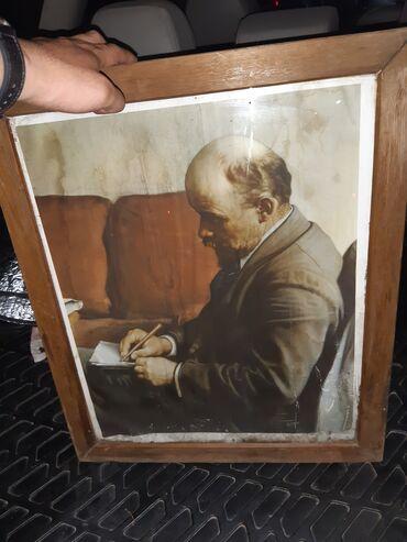 Искусство и коллекционирование - Кыргызстан: Продаётся очень старое портрет В.И.ЛЕНИН,В.СМОЛЬНОМ.Фрагмент Холст