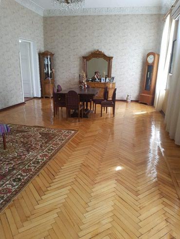 Otel və hostellər - Azərbaycan: Sebayil r-nu iceri weher m-su/merkezde 4 otaqli 170m2 obyekt kimi