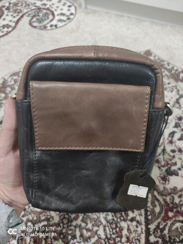 Сумки - Бишкек: Продаю новую барсетку.Чисто кожа.Производство Америка.Барсетка