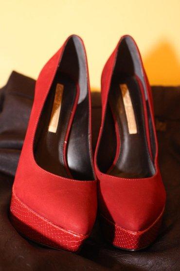 NOVE Original Buffalo LONDON cipele broj 38 Visina potpetice 12cm.Boja - Mladenovac