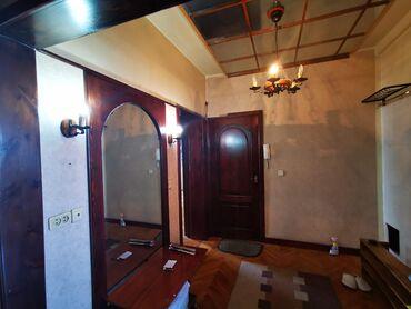 Продажа квартир - Лоджия застеклена - Бишкек: 106 серия, 4 комнаты, 98 кв. м Лифт, Раздельный санузел, Неугловая квартира