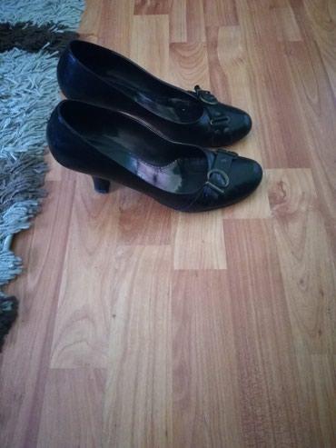 Kozne cipele br39. Dobro ocuvane - Novi Sad