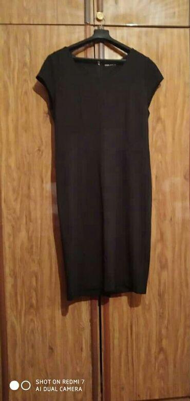 Платье прямое трикотажное 48 размер длина ниже колен 100см в хорошем