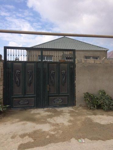 Bakı şəhərində Ramana savxozunda 1 sot yarimin icinde tam temirli ev satilir tecili
